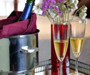 Escapada Romántica  en Llanes con cena y botella de cava